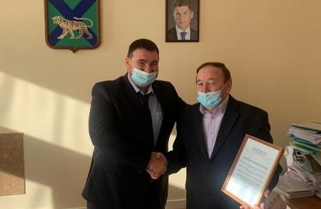 Приморский общественник получил награду Минстроя России